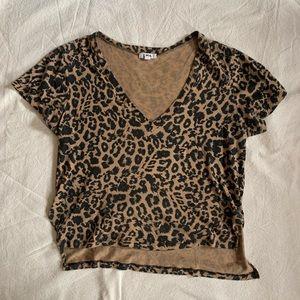 LnA boxy v neck tee - Leopard size M
